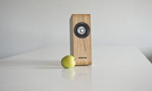 Review Boenicke W5: Een design koekoeksklok met een gouden vogeltje